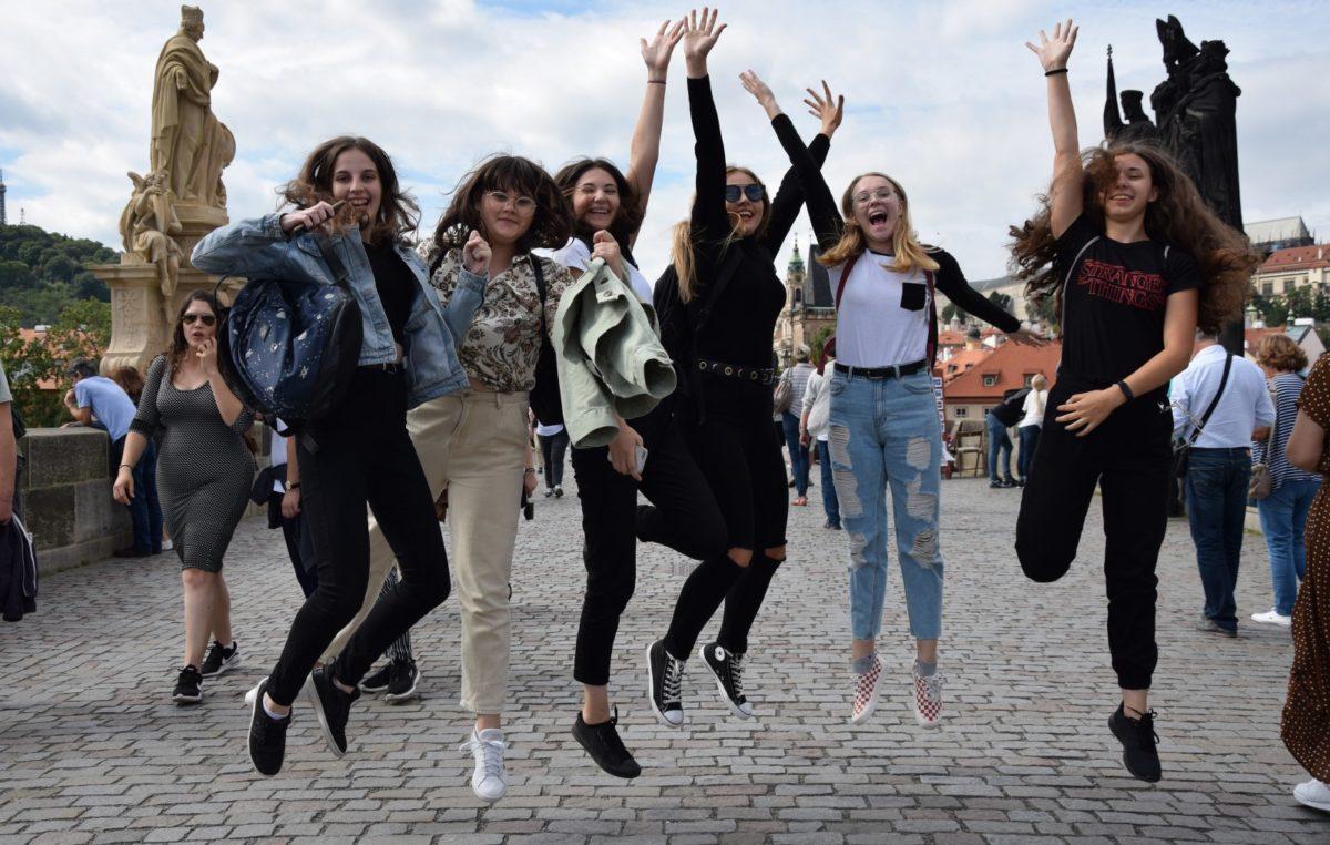 18 września 2019 – Licealiści w Górach Stołowych, czeskiej Pradze i Skalnym Mieście